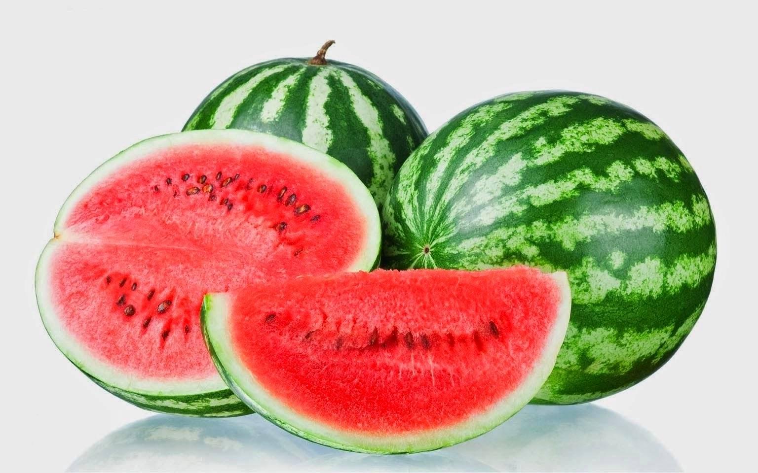 buah semangka merah